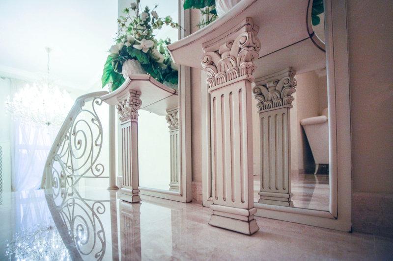 Консоль в классическом стиле