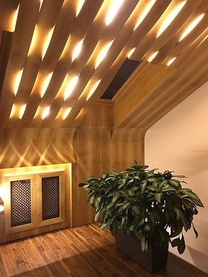 Необычный проект кабинета на мансардном этаже в загородном доме