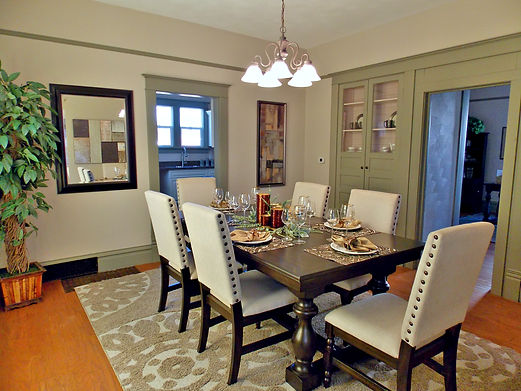 home staging, home stager, iowa home staging, iowa home stager, vacant staging, occupied staging, real estate photography, iowa real estate photography, interior painting, interior painting services, older home staging, historic home staging, dining room staging