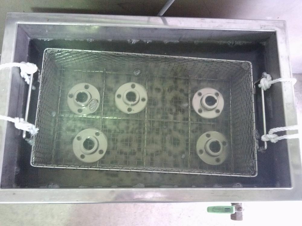 表面処理後の洗浄処理/株式会社旭研磨工業所