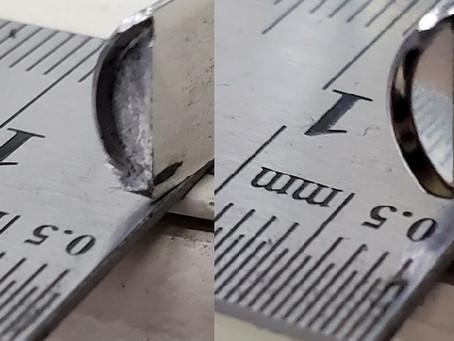 小さな部品の表面処理は、鏡面ショット研磨。