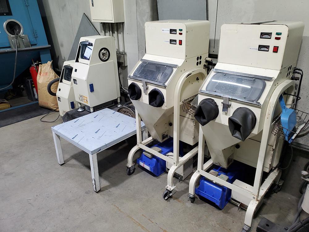 ショットブラスト式研磨機