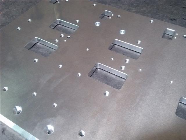 アルミ製機械部品の鏡面研磨(研磨前)