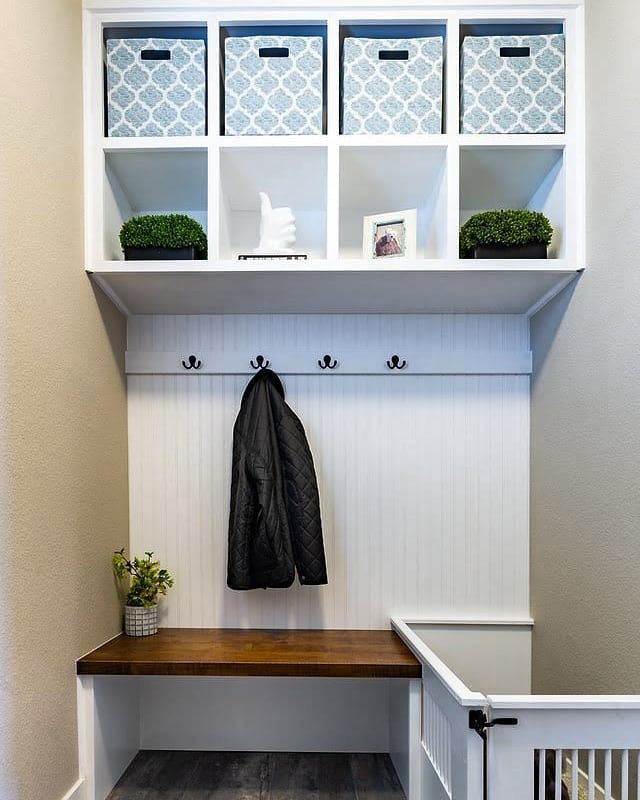 Petite Entryway Mudroom