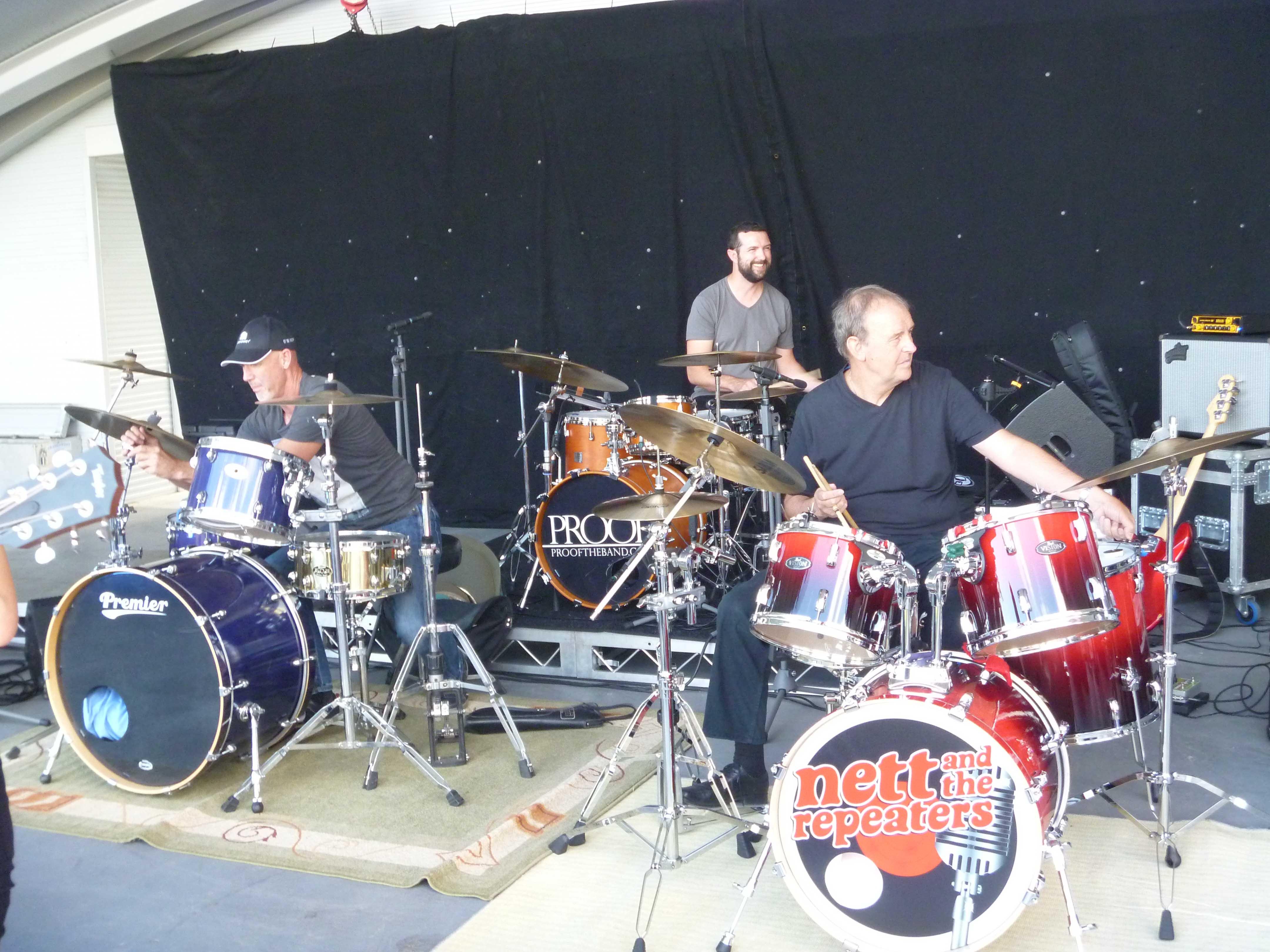 3 Drummers Drumming