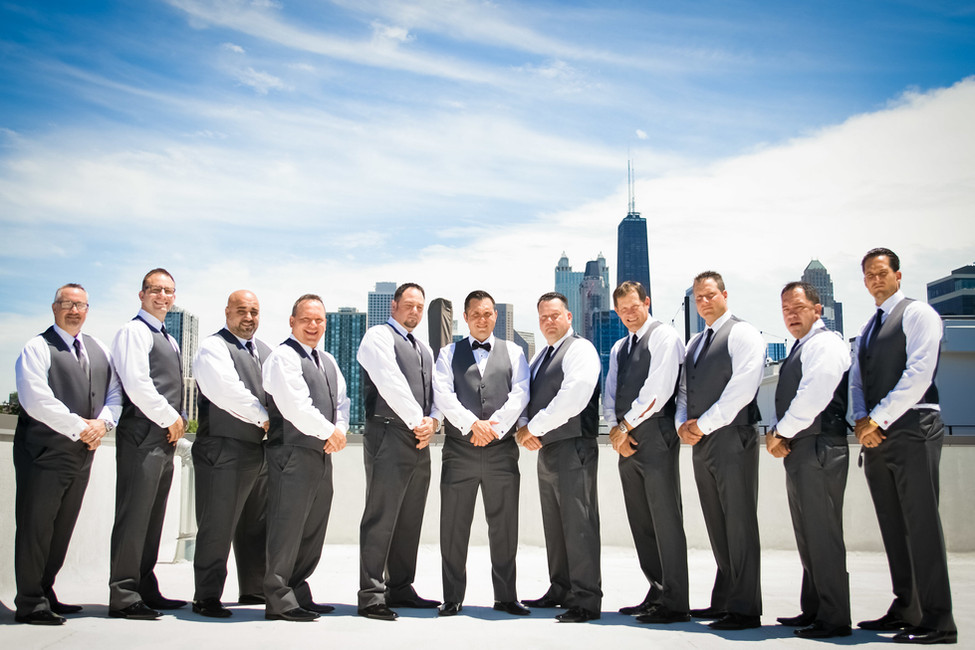 Chicago Skyline Grooms Picture
