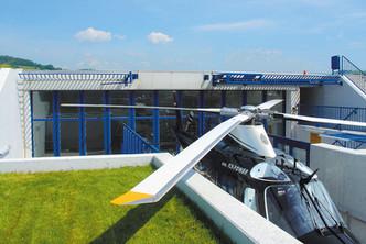 schneider-hangartore-hubschrauber-faltto