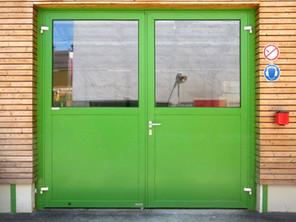 schneider-industrietore-zwei-fluegeltor-aluminium-al603z-thermo_gruen_campestrini.jpg