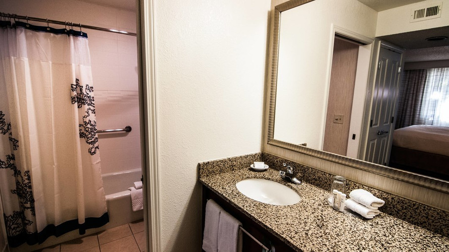 oxrri-bathroom-0031-hor-wide.jpg