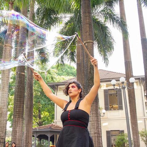 performance-bolhas-gigantes-eventos