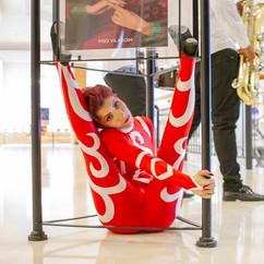 apresentacao-circense-evento-shopping.jp