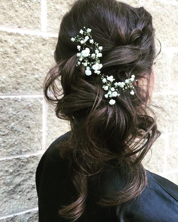 Wedding day vibes #weddinghair #wedding #glambygab #glamouraddict #glamsquad #bridesmaid #updo #hair