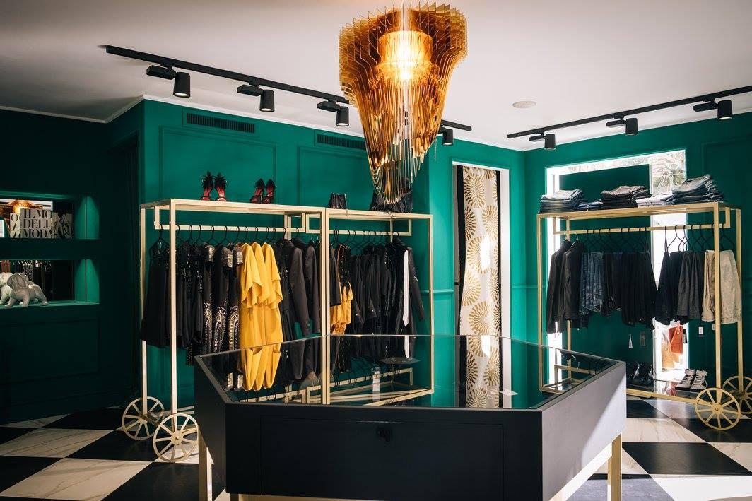 Aria-Gold-in-Toffee-Showroom-Sanremo_1_y