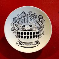 Plates Gone Wild: Floral decorative plates, 2016-2017