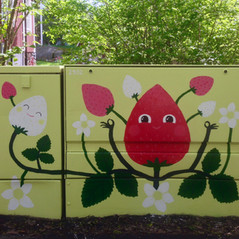 Strawberry spot. Electrical cabinet painting, Arabia Street Festival Helsinki, Helen Sähköverkko Oy & G-REX, 2016