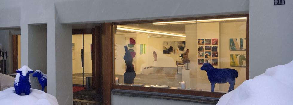 Schaufenster der Galerie