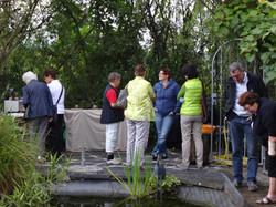 Besucher am Teich
