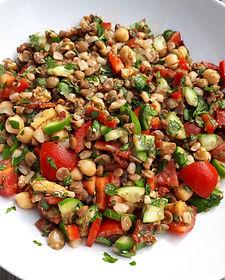 bakliyatli-salata.jpg