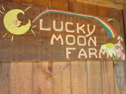 Lucky Moon Farm sign