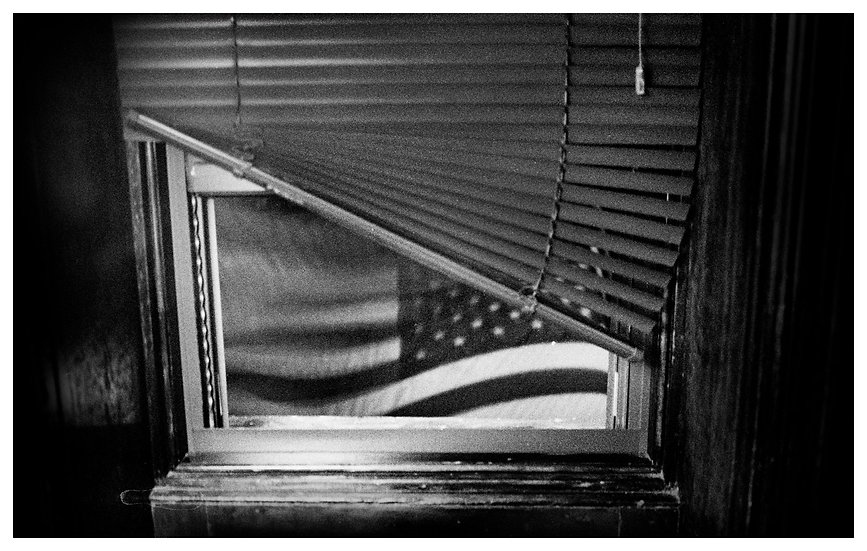 Flag and Window (LIMITED EDITION 30)