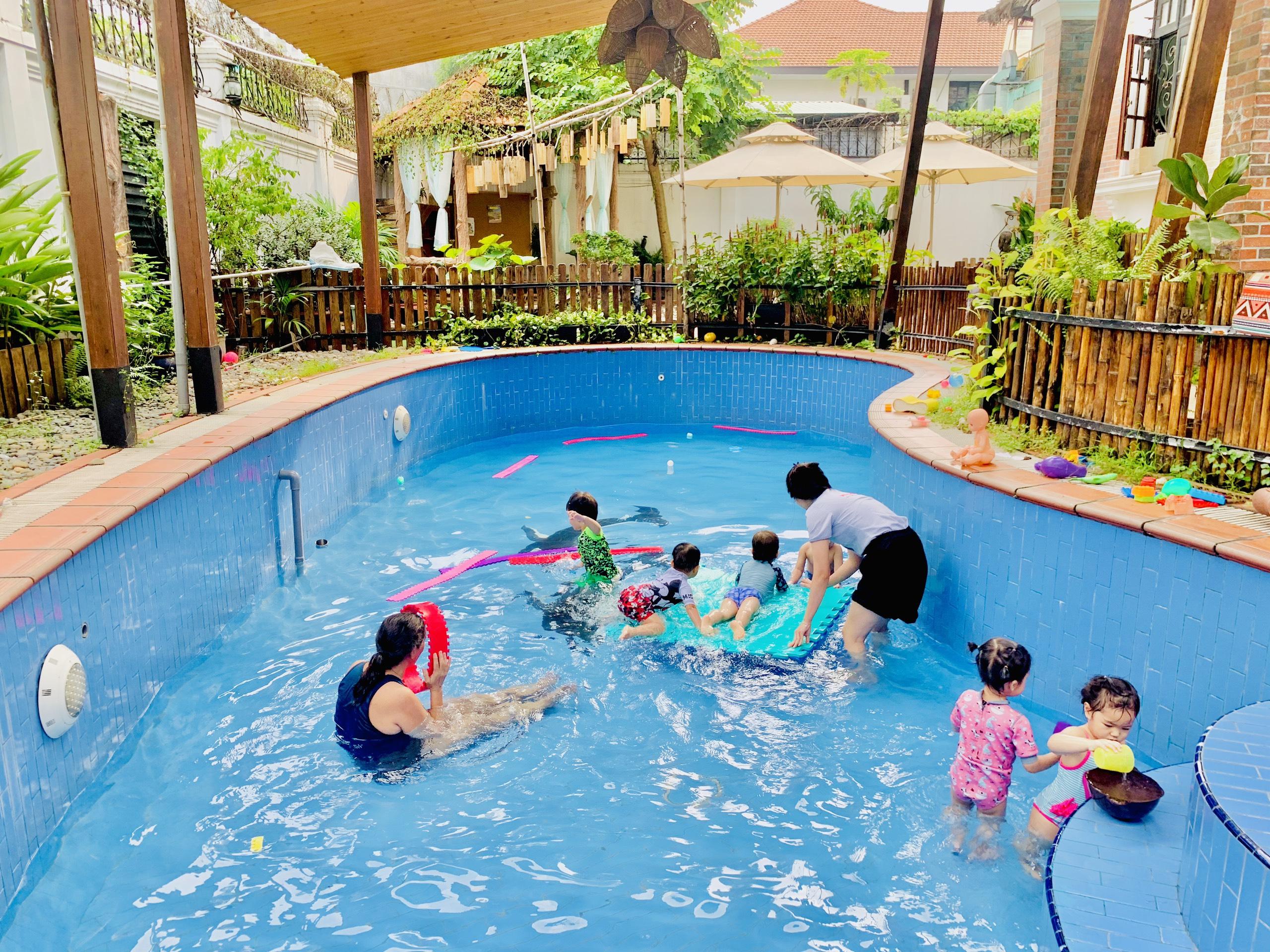 Bơi lội * (HCM)