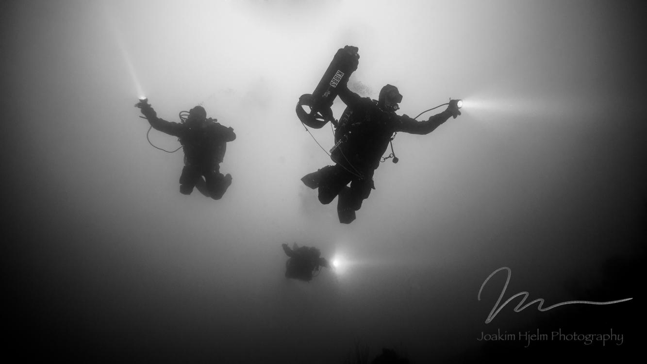 Dive Team Descending