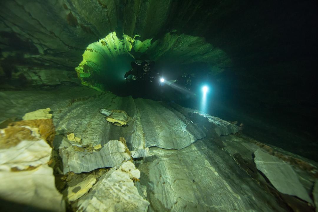 Nomash River Cave, Broken Grounds
