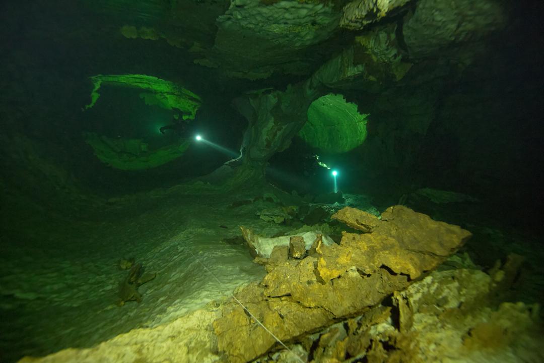 Nomash River Cave, Two Lane Passage-Edit