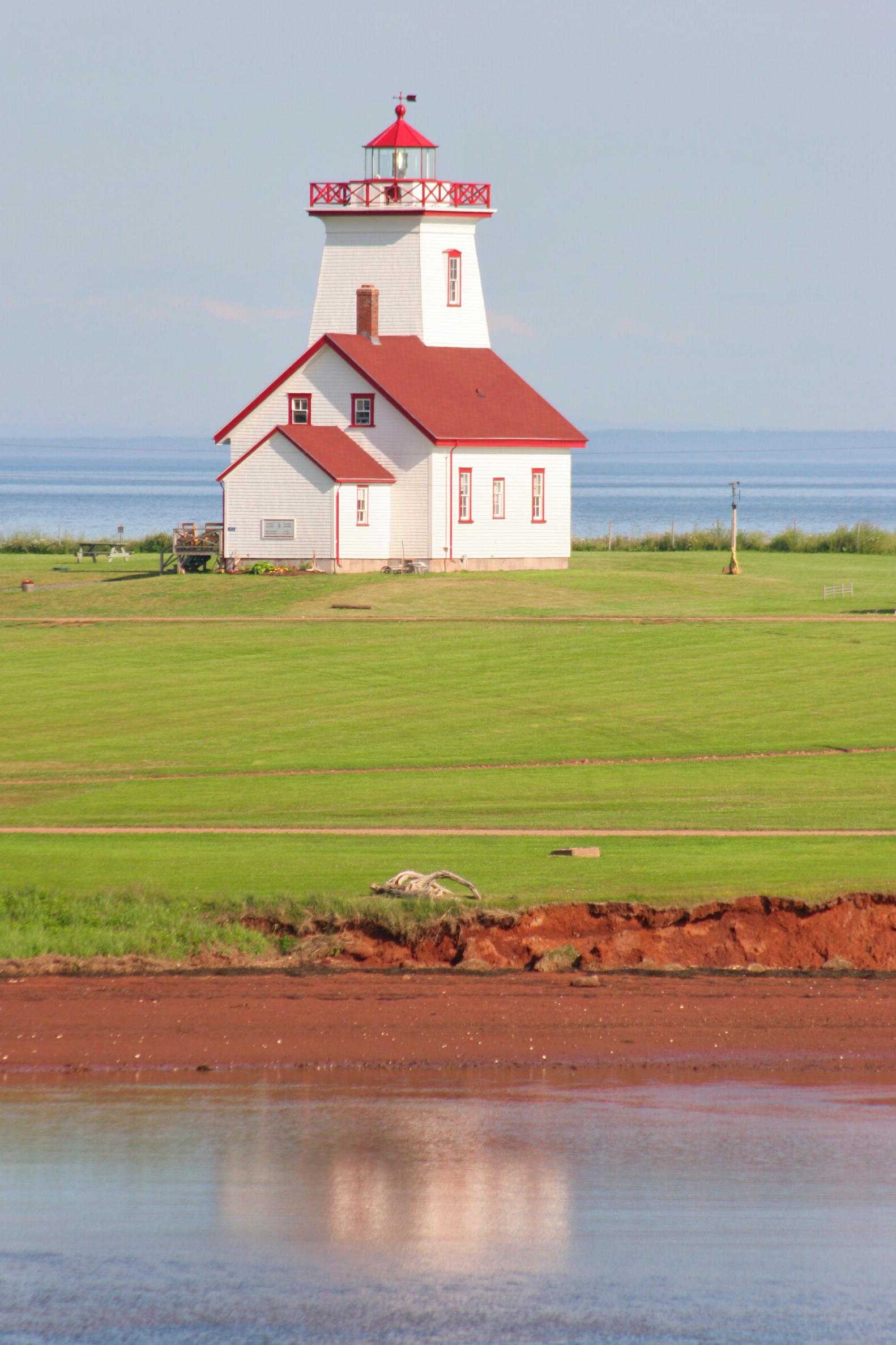Wood Islands Lighthouse, PEI.JPG