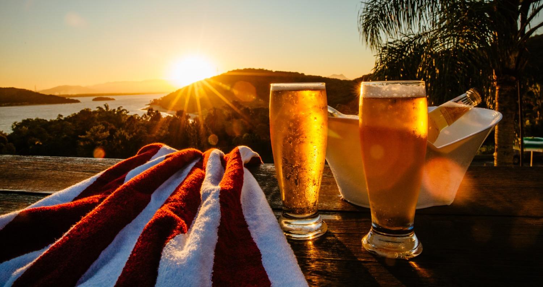 cerveja e vista Hotel Caieiras_edited