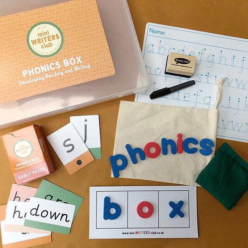 Phonics Box including Phase 2-4 Flashcards