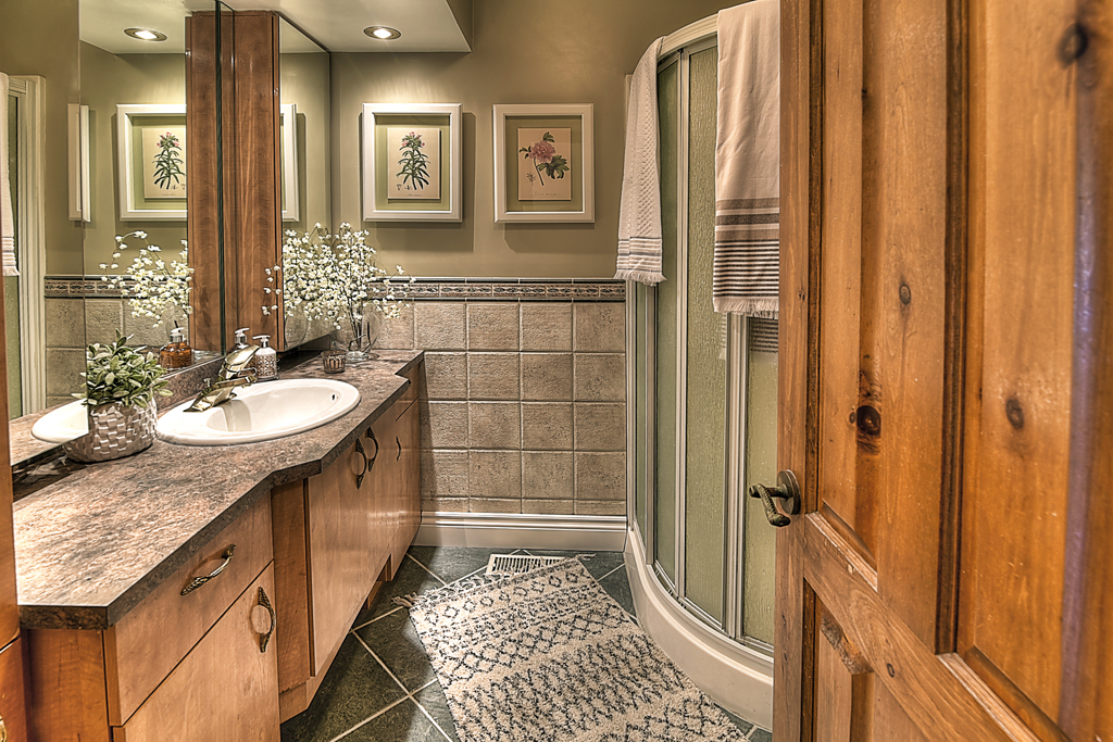 Country Court 25-ensuite