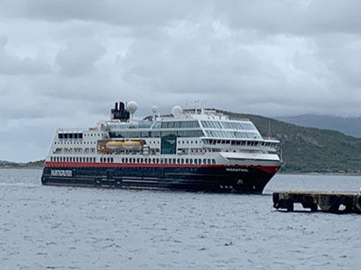 fjord-boatb.jpg