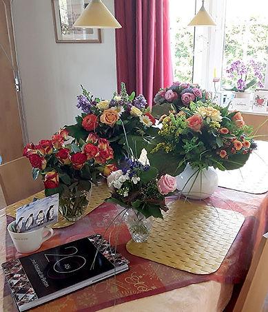 flowersb.jpg