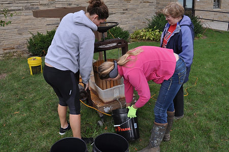 church youth group apple cider project