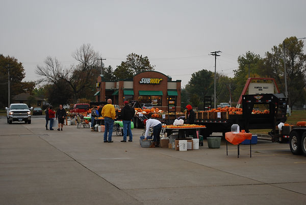 Smaller tables and big trailers for pumpkins