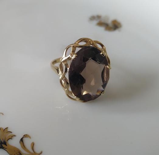 טבעת זהב סמוקי קוורץ