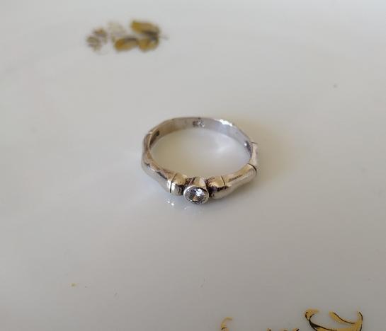 טבעת כסף דקה וזירקון
