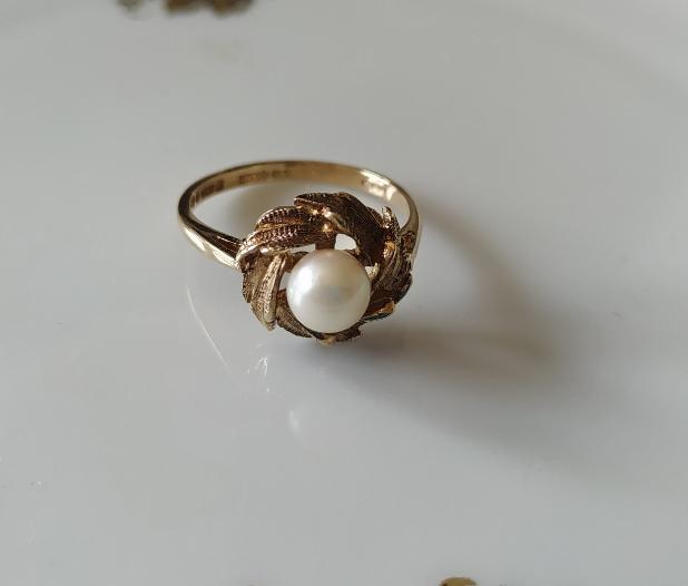 טבעת זהב ופנינה