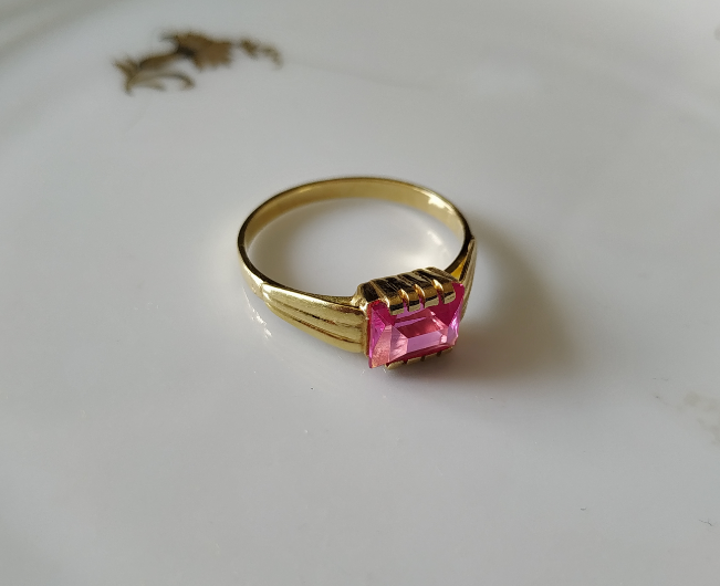 טבעת זהב ורובי