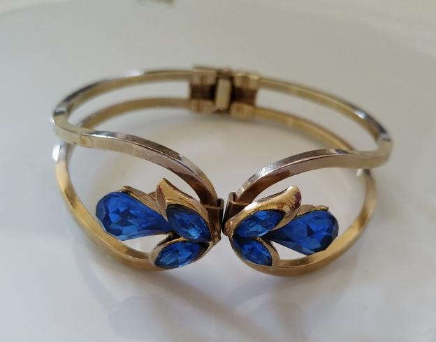 צמיד אופנה אבנים כחולות