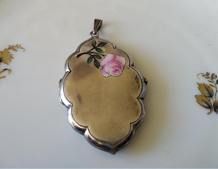 לוקט אלפקה עם אמייל ורד