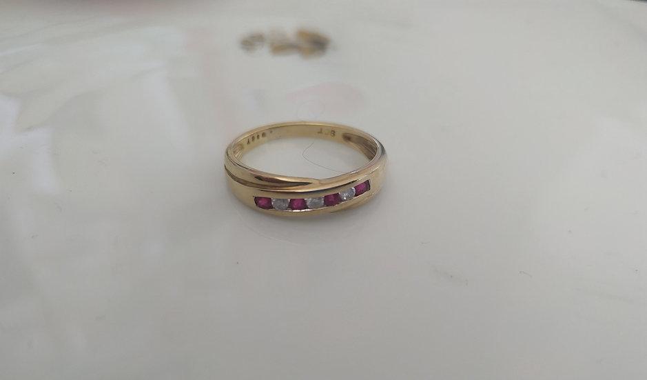טבעת זהב רובי ודיאמנטים