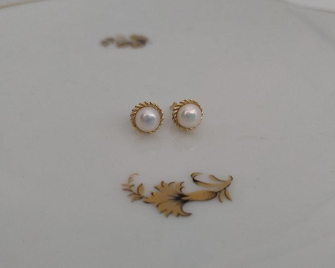 עגילי זהב עגולים ופנינה