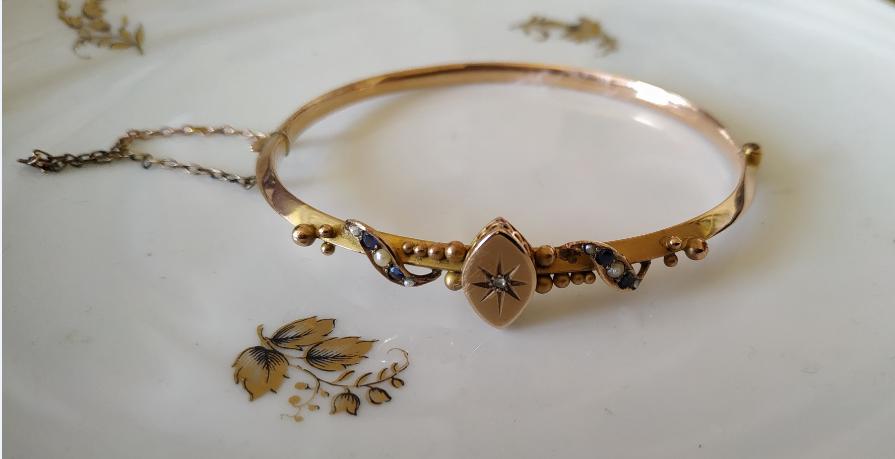 צמיד זהב פנינים זעירות ספירים ודיאמנט