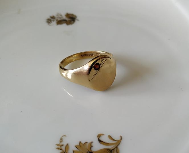 טבעת זהב אליפטית לגבר