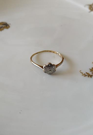 טבעת זהב פרח דיאמנטים