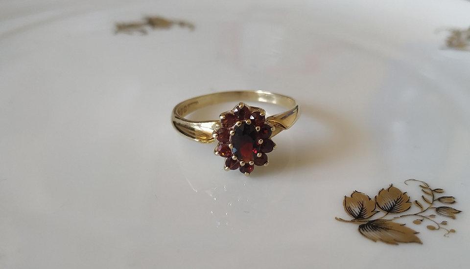 טבעת גרנטים קטנה