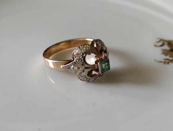 טבעת זהב אמרלד ודיאמנטים