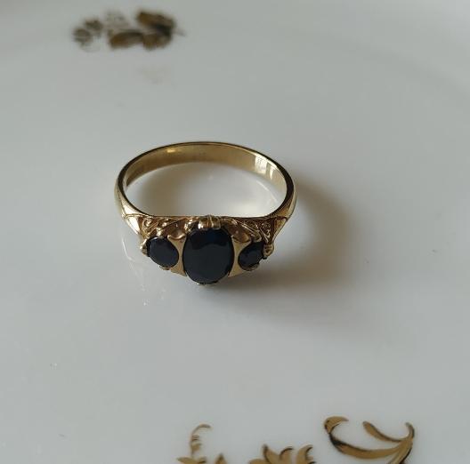 טבעת זהב ו-3 ספירים